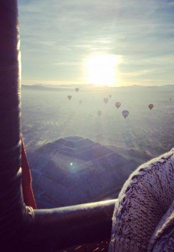 viaje en globo aerostático sobre las pirámides de teotihuacan